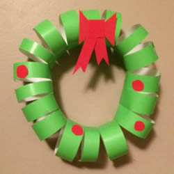 彩纸手工制作圣诞花环 幼儿做圣诞节花环教程
