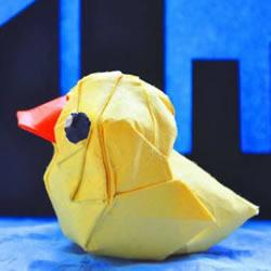 手工折纸大黄鸭的步骤 黄色鸭子的折法图解