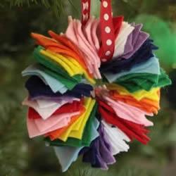 不织布做多彩圣诞花环 最简单布艺圣诞花环DIY