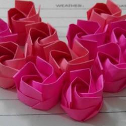 最简单纸玫瑰花的折法 怎么折简单漂亮的玫瑰