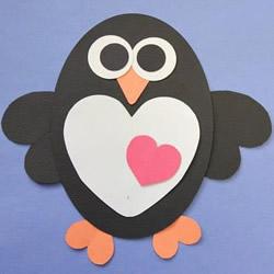 简单新年贺卡的做法 用卡纸拼贴卡通企鹅贺卡