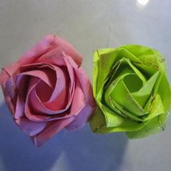 原创纸玫瑰花的折纸图解 步骤过程非常详细