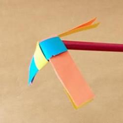 幼儿手工风车图片步骤 会旋转的小风车做法