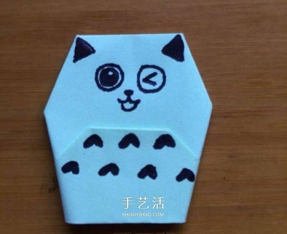 小朋友们是不是都喜欢可爱的猫咪?猫咪作为最常见的家庭宠物,凭借萌萌的外表和易于照顾的习性,越来越受到人们的喜爱。跟大家分享一个简单好玩的折纸教程,教大家折一个可爱的猫咪手偶,有兴趣的小朋友自己动手做一做吧~