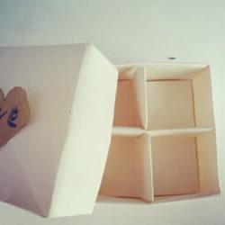 方形分格纸盒的折法图解 带分隔盒子折纸步骤