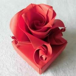 超详细步骤:手工凡尔塞玫瑰盒子的折法图解