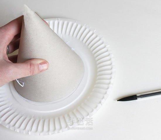 蛋糕盘废物利用 手工制作万圣节女巫帽的方法 -  www.shouyihuo.com