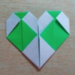 大格纹爱心的折纸方法 简单格纹心叠纸图解