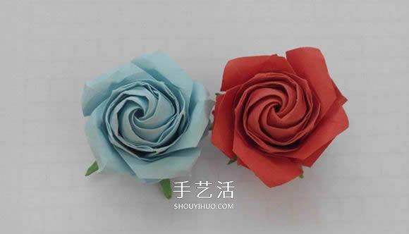 五瓣佐藤玫瑰的折纸方法,包括花朵和花萼两部分完成.