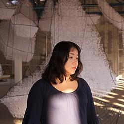 Chiharu Shiota塩田千春的大型针线装置艺术