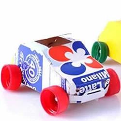 牛奶盒制作玩具车的方法 做小汽车校车都简单