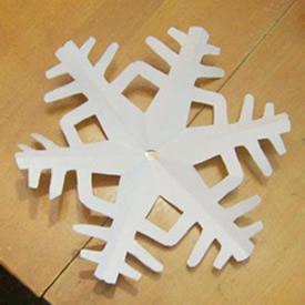 剪些雪花作为春节装饰 六角雪花剪纸步骤图解