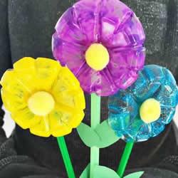 矿泉水瓶做花的教程 把塑料瓶瓶底制作塑料花