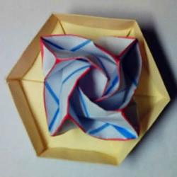 福山玫瑰改造而来 漂亮四角玫瑰花的折法图解