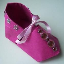 简单鞋子的折法图解 女式纸鞋子怎么折方法