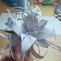 曼陀罗华的折法图解 手工怎么折白色彼岸花