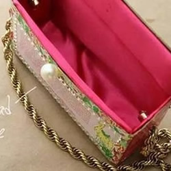 饼干盒子废物利用 DIY制作时尚手提包的做法