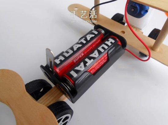 用电动小马达做一架可以跑动的螺旋桨飞机图片