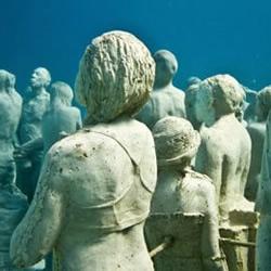 """水下雕塑""""沈默的演�""""欣�p"""