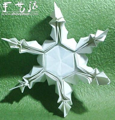 立体雪花折纸教程 -  www.shouyihuo.com