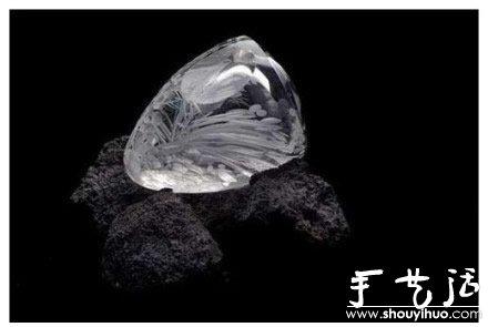 波西米亚玻璃雕刻师的手工作品 -  www.shouyihuo.com