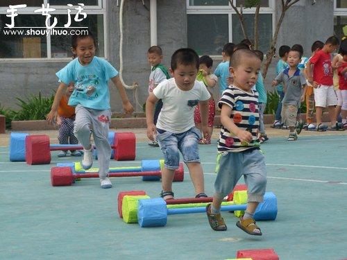 废旧材料制作幼儿举重器 -  www.shouyihuo.com