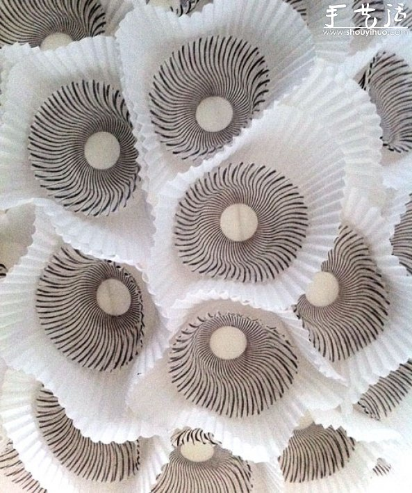 DIY浪漫蛋糕紙杯球型燈的教程
