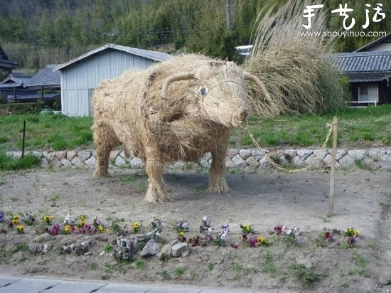 秸秆变废为宝 DIY各种趣味雕塑 -  www.shouyihuo.com