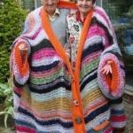 手工针织的超大毛衣