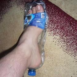 矿泉水瓶废物利用DIY清凉拖鞋