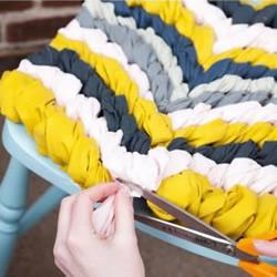 旧衣服DIY椅子坐垫的教程