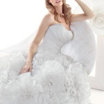 Simone Carvalli 2012春夏婚纱设计欣赏