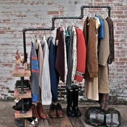 废铁管和废木头DIY的衣架