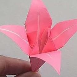 漂亮的百合花折纸教程