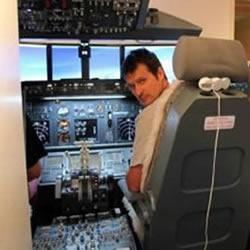 最佳老爸:在孩子卧室造出了波音737驾驶