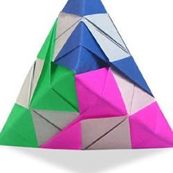 三角插原理组合制作金字塔的折纸教程