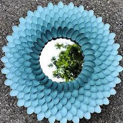 塑料勺子DIY莲花镜子的方法