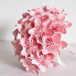 漂亮折纸手捧花的手工教程