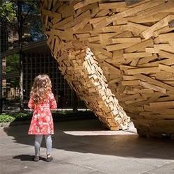 10000块木板废物利用DIY鸟巢外形的建筑