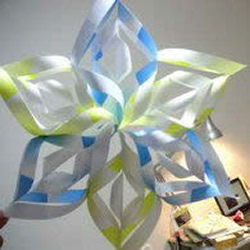 风车状六角星的剪纸方法