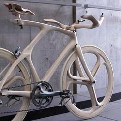 木材DIY雕刻的自行车