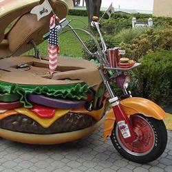 有趣的汉堡包三轮摩托车