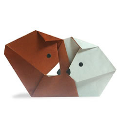 依偎在一起的狗狗手工折纸方法