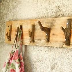 枯树枝手工DIY墙饰和挂钩