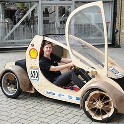 用硬纸板和胶合板DIY制作的赛车