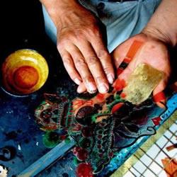 河北滦州探访古老皮影 感受时光划过的印