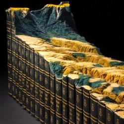 《大英百科全书》创作的书雕 向传统印刷