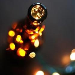 玻璃瓶变废为宝 手工制作浪漫灯具