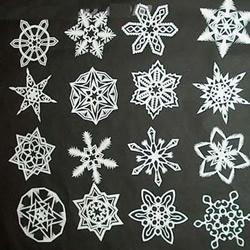 教你如何简单手工DIY雪花剪纸