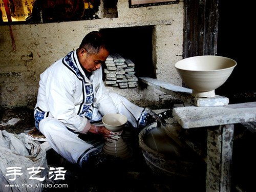 景德鎮,一隻青花瓷碗的古法製作過程